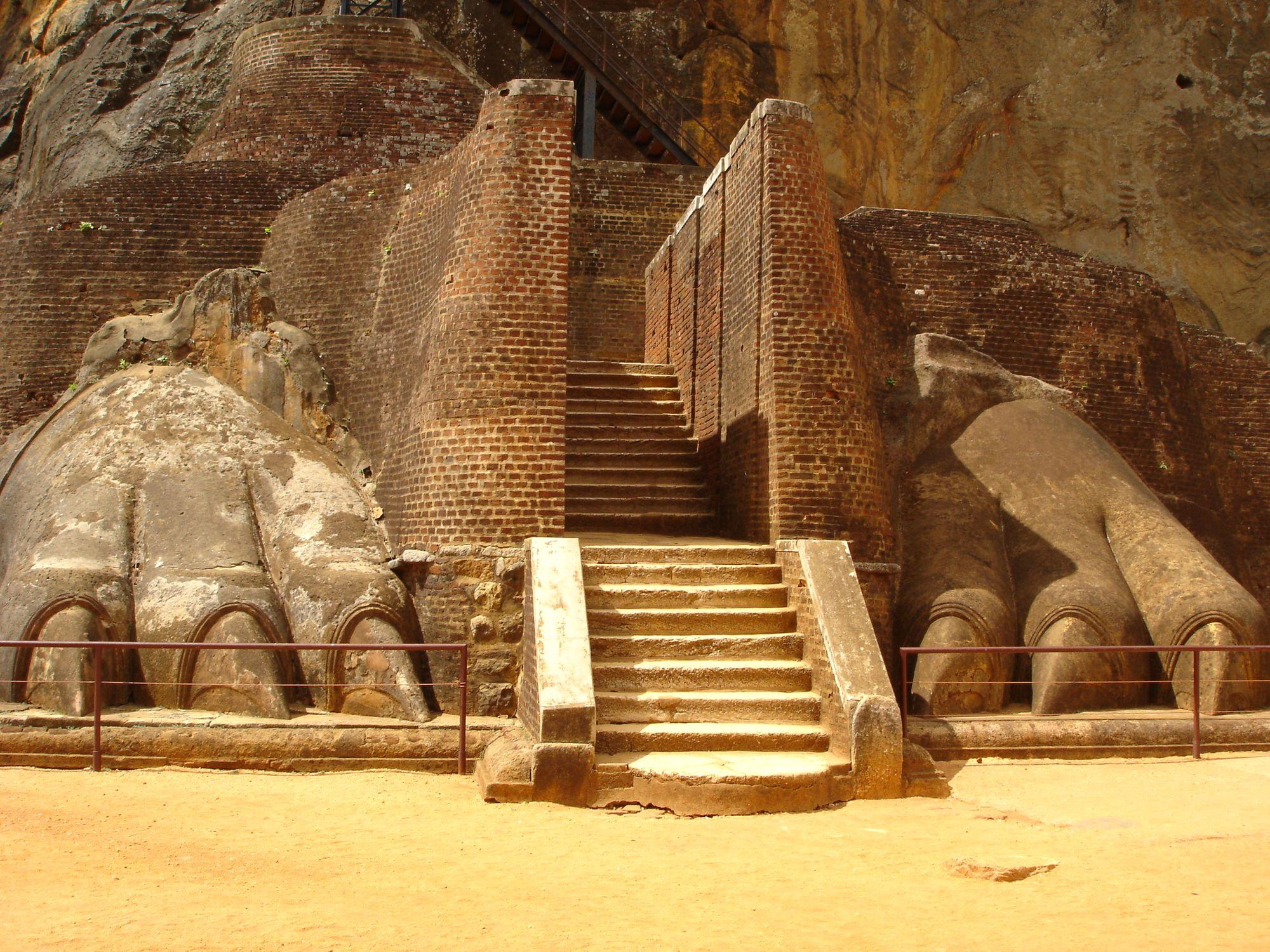 SLSigiriya--Ancient-Capitals-